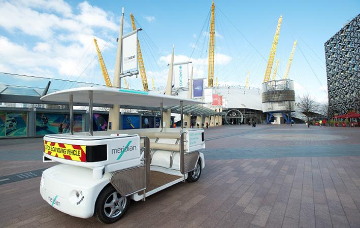 Navia robot bus near O2